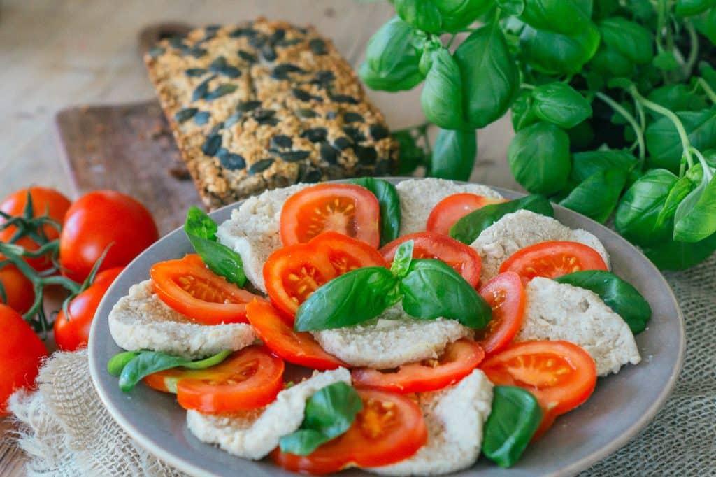 Vegane Mozzarella mit Cashews
